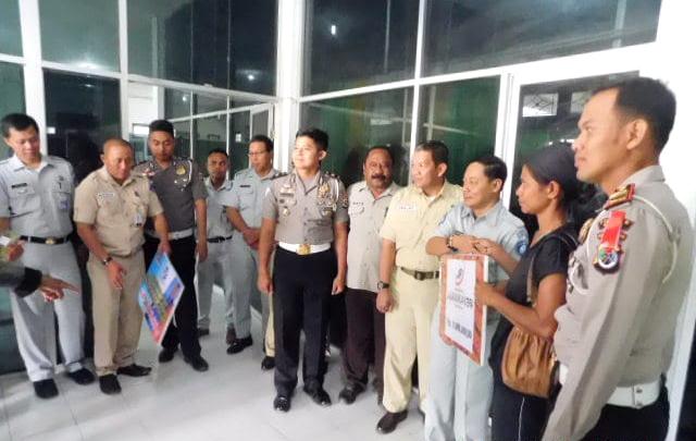 Jasa Raharja Bayar Santunan Korban Kecelakaan Dari Kab Kupang