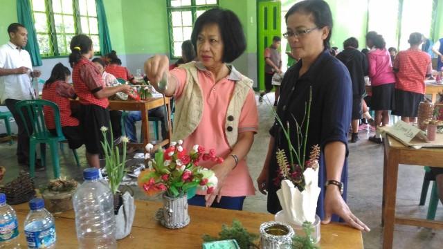 Pengolahan Limbah Anorganik; Workshop Rotary Club & SLB Karya Murni Ruteng