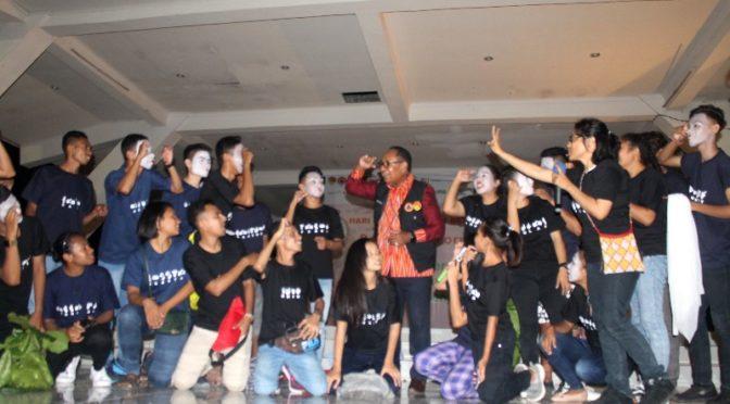 Wagub NTT Josef Nae Soi Peroleh Nama Baru dari Komunitas Tuli Kupang