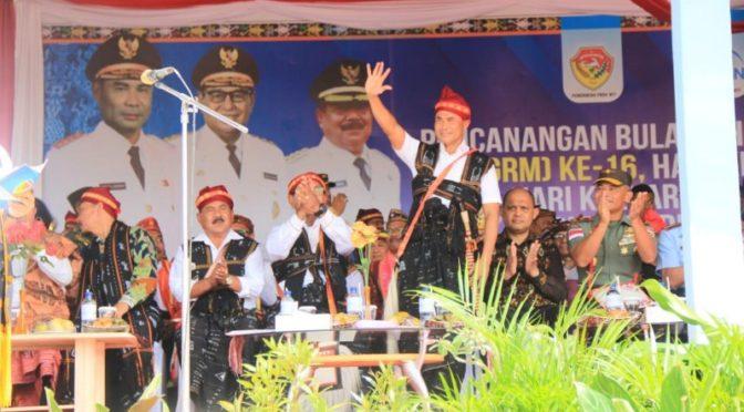 Gubernur VBL Himbau Tumbuhkan Gotong Royong dalam Keluarga