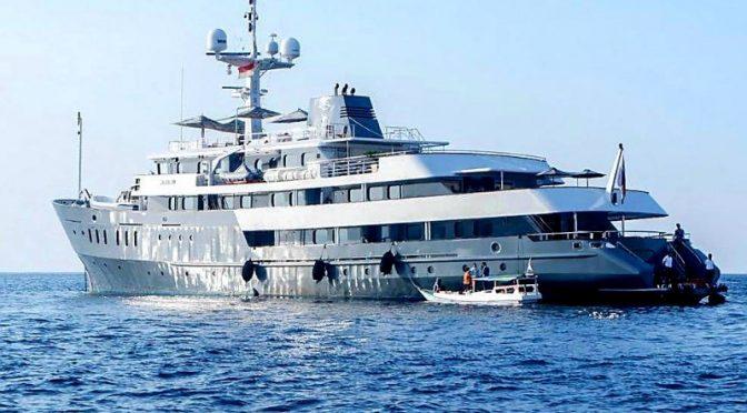 Kapal Pesiar Aqua Blu Diluncurkan di Labuan Bajo, Tawarkan Wisata Bahari