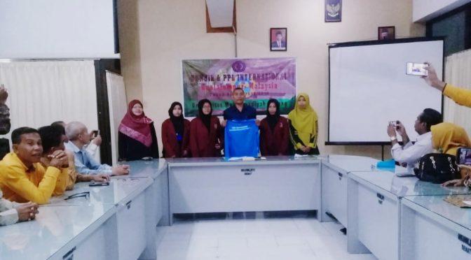 Universitas Muhammadiyah Kupang Lepas Tiga Orang Mahasiswa PGSD ke Malaysia