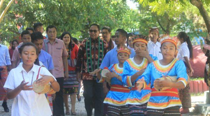 Tiga Alasan Wagub Josef Nae Soi Hadir Saat Pesta Emas SMK Swastisari Kupang