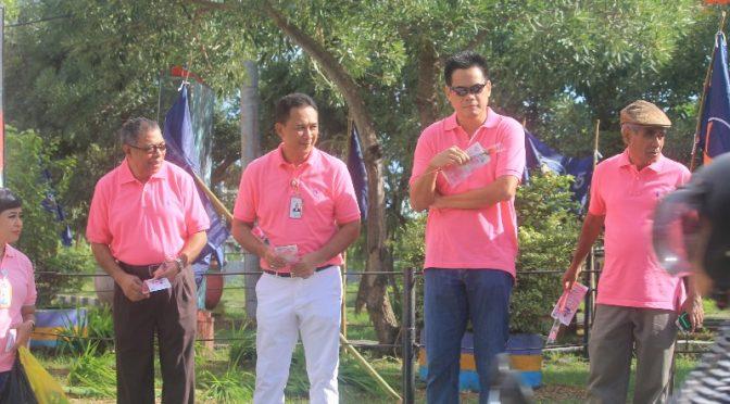 Komisaris & Direksi Bank NTT Berani 'Pink' dan Turun ke Jalan di 'Valentine Day'