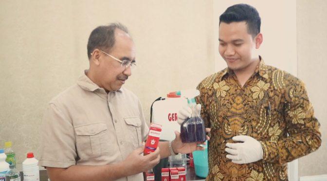 Pemkot Kupang Gandeng Kimia Farma Racik 'Hand Sanitizer' & 'Desinfectant Spray'