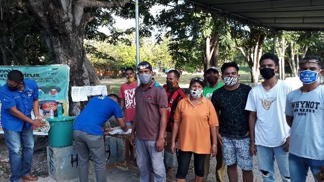Patut Dicontoh! Masuk ke Desa Pukdale Wajib Pakai Masker dan Cuci Tangan