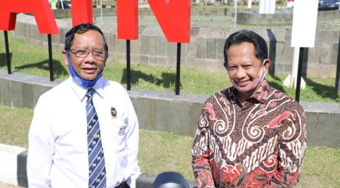 Mahfud MD & Tito Karnavian Tinjau Kesiapan Pilkada Serentak di NTT