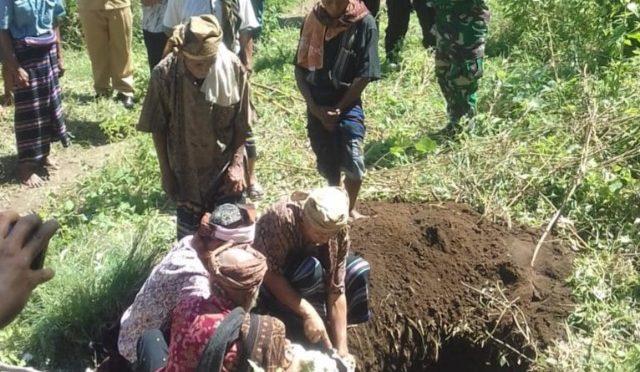 Prosesi Adat 'Neka Tana' Sokong PLN Melistriki Desa Reka di Ende