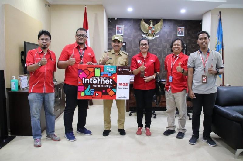 Merdeka Belajar Dari Kemendikbud Dan Telkomsel Bagi 25 Ribu Pelajar Kota Kupang Portal Berita Daring