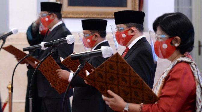 Presiden Jokowi Saksikan Sumpah Empat Anggota Dewan Komisioner LPS